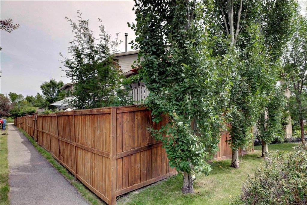 Photo 22: Photos: 110 DEERFIELD Terrace SE in Calgary: Deer Ridge House for sale : MLS®# C4123944