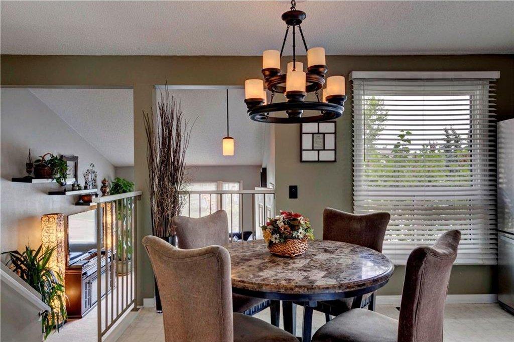 Photo 3: Photos: 110 DEERFIELD Terrace SE in Calgary: Deer Ridge House for sale : MLS®# C4123944