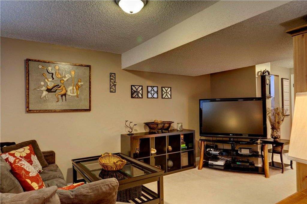 Photo 17: Photos: 110 DEERFIELD Terrace SE in Calgary: Deer Ridge House for sale : MLS®# C4123944