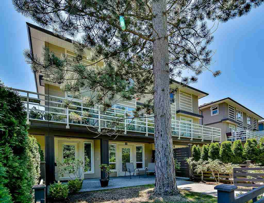 "Main Photo: 43 15405 31 Avenue in Surrey: Grandview Surrey Townhouse for sale in ""NUVO 2"" (South Surrey White Rock)  : MLS®# R2189550"