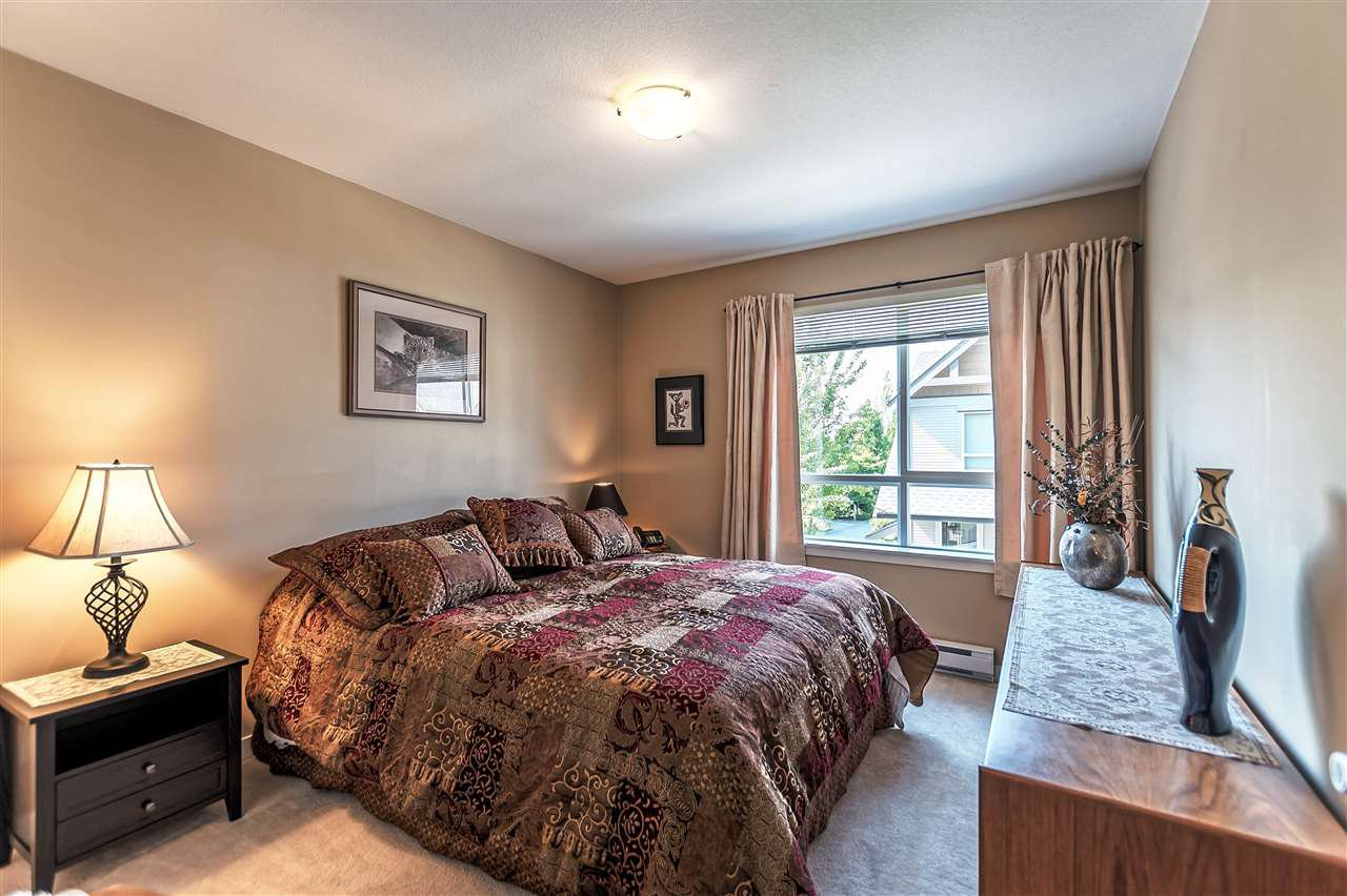 """Photo 16: Photos: 16 16789 60 Avenue in Surrey: Cloverdale BC Townhouse for sale in """"LAREDO"""" (Cloverdale)  : MLS®# R2190662"""
