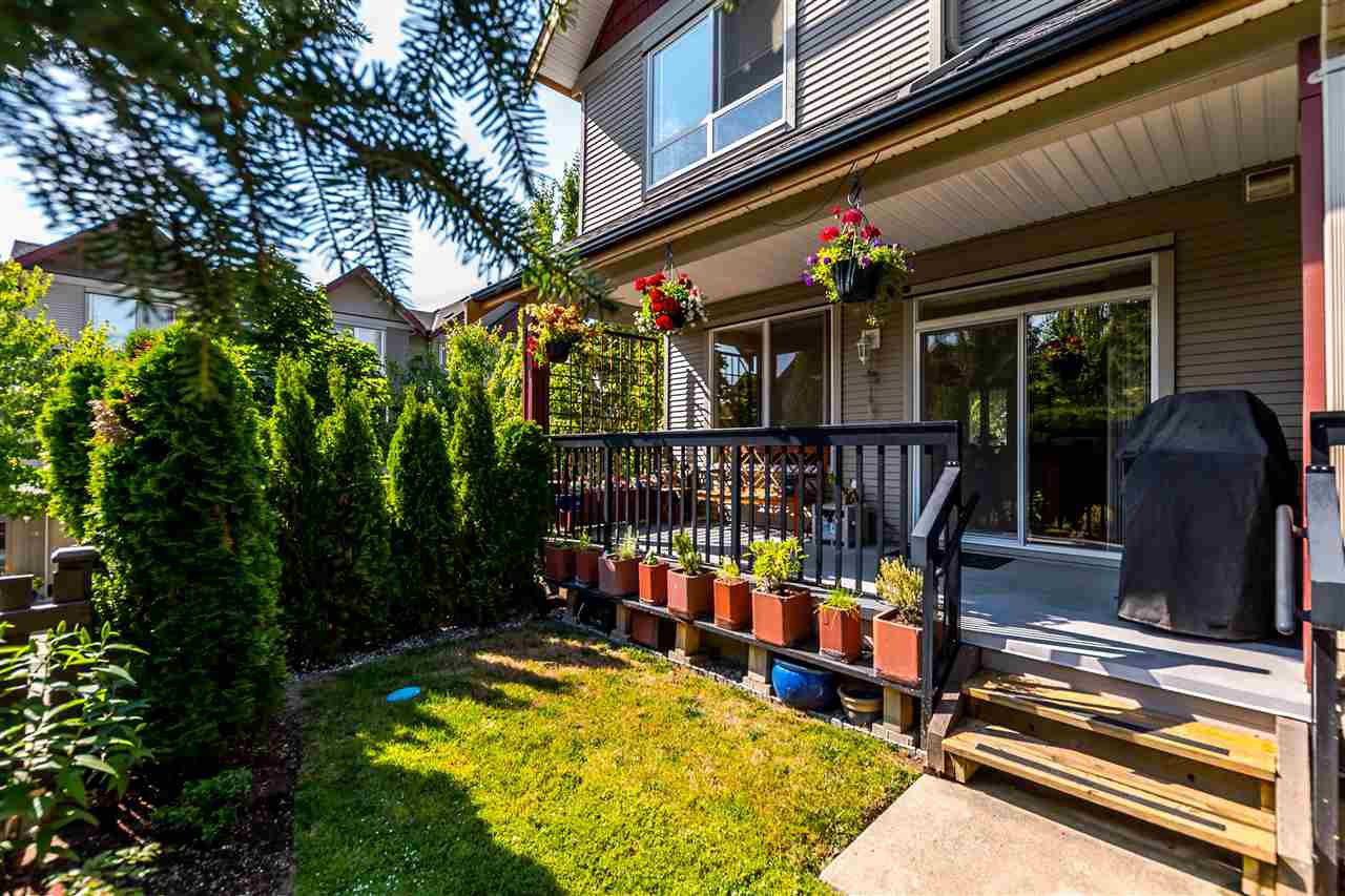 """Photo 12: Photos: 16 16789 60 Avenue in Surrey: Cloverdale BC Townhouse for sale in """"LAREDO"""" (Cloverdale)  : MLS®# R2190662"""
