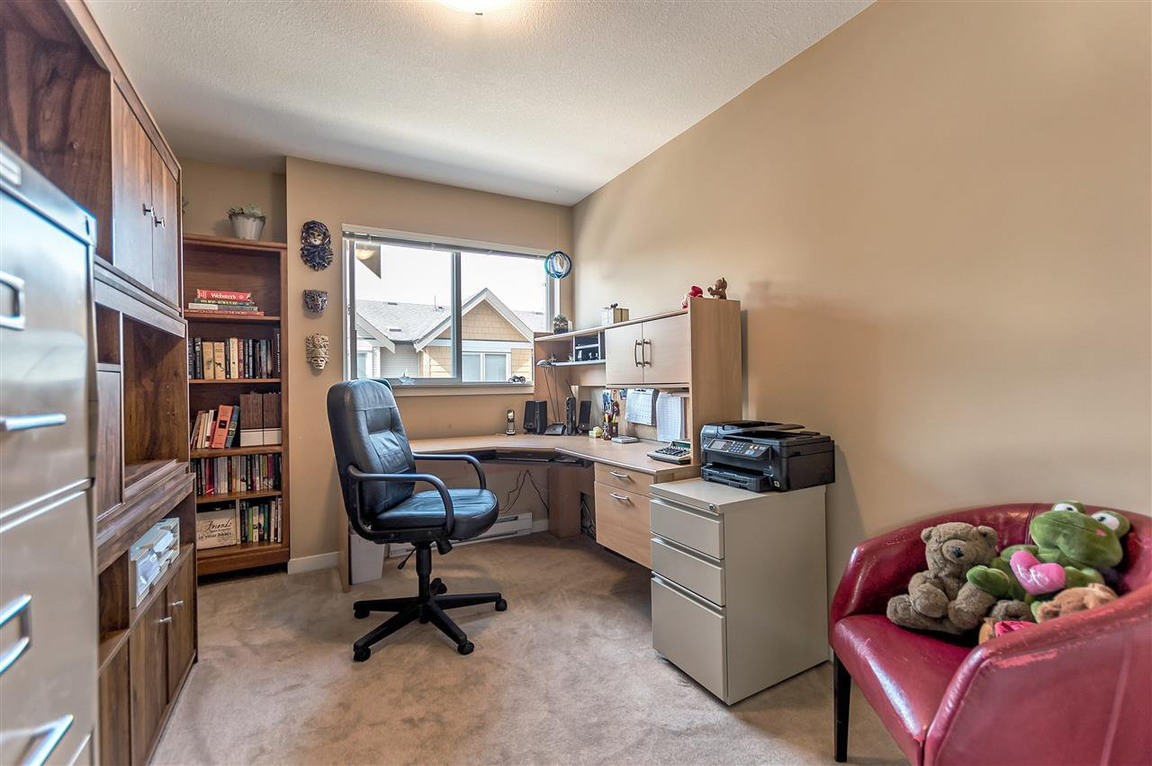 """Photo 17: Photos: 16 16789 60 Avenue in Surrey: Cloverdale BC Townhouse for sale in """"LAREDO"""" (Cloverdale)  : MLS®# R2190662"""