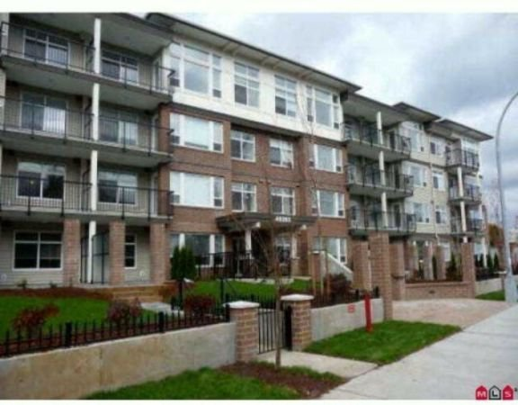 """Main Photo: 109 46150 BOLE Avenue in Chilliwack: Chilliwack N Yale-Well Condo for sale in """"The Newmark Complex"""" : MLS®# R2212837"""