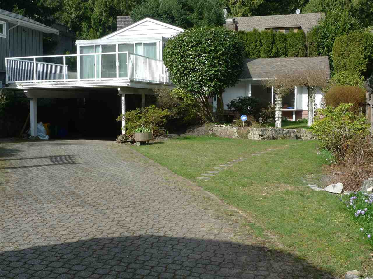 """Main Photo: 6839 COPPER COVE Road in West Vancouver: Whytecliff House for sale in """"WHYTECLIFF"""" : MLS®# R2246156"""