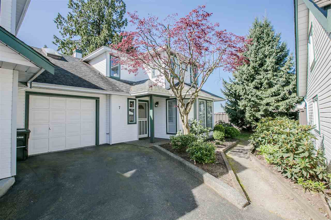 Main Photo: 7 19060 119 Avenue in Pitt Meadows: Central Meadows Townhouse for sale : MLS®# R2262537