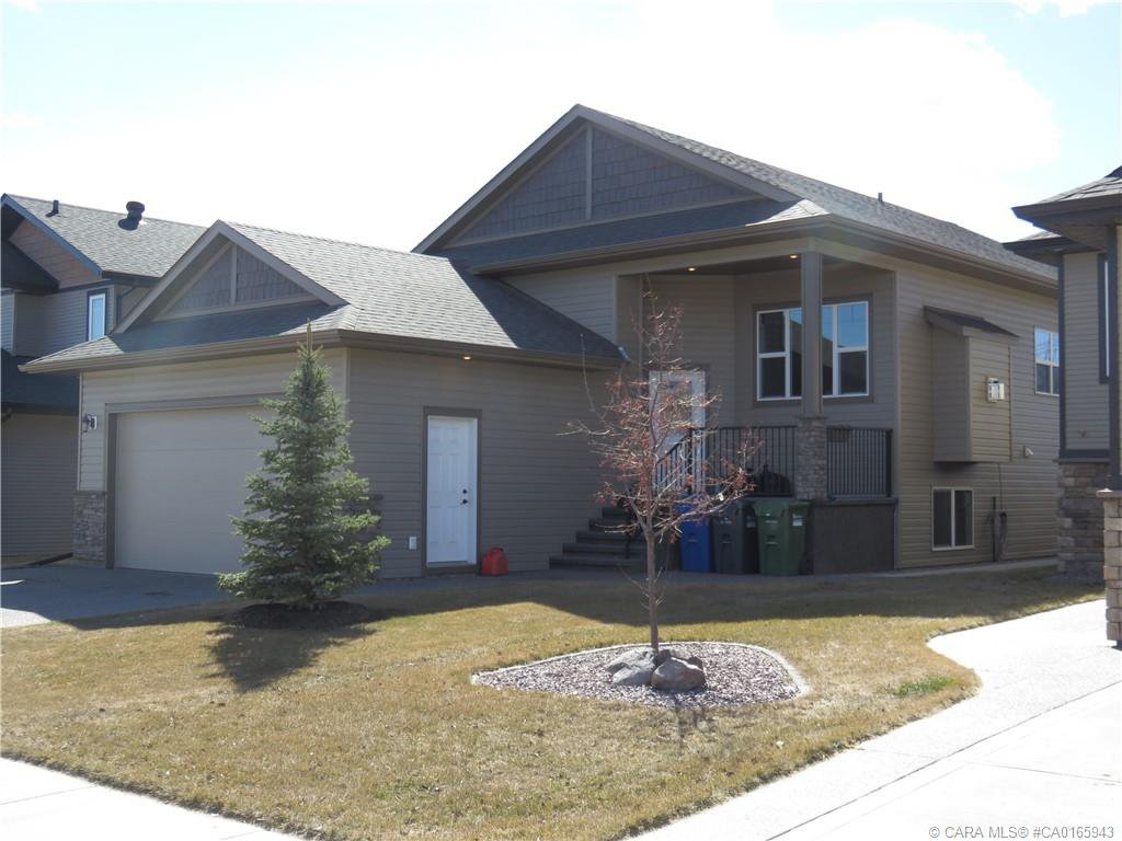 Main Photo: 127 GARRISON Circle in Red Deer: RR Garden Heights Residential for sale : MLS®# CA0165943