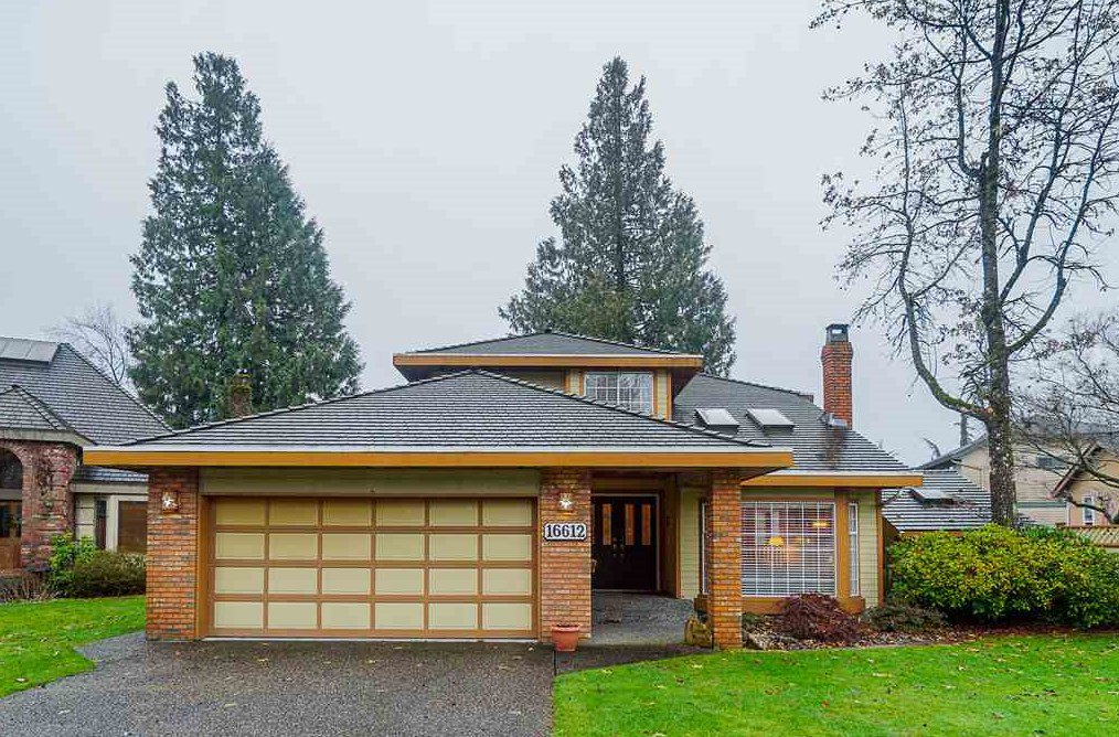 "Main Photo: 16612 ARBUTUS Place in Surrey: Fraser Heights House for sale in ""Glenwood Estates"" (North Surrey)  : MLS®# R2425947"
