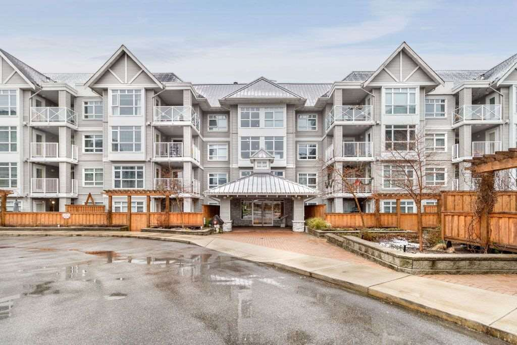 """Main Photo: 111 3136 ST JOHNS Street in Port Moody: Port Moody Centre Condo for sale in """"SONRISA"""" : MLS®# R2428417"""