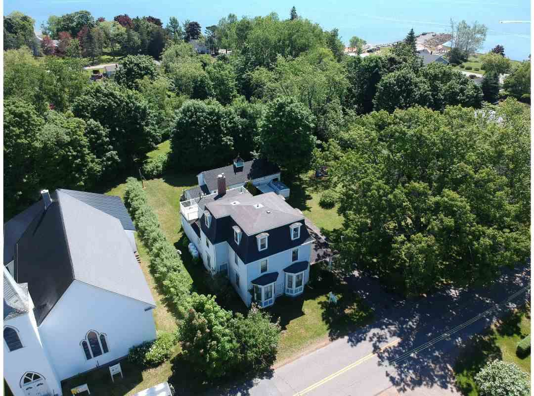 Main Photo: 26 MAIN Street in Kingsport: 404-Kings County Residential for sale (Annapolis Valley)  : MLS®# 202002489