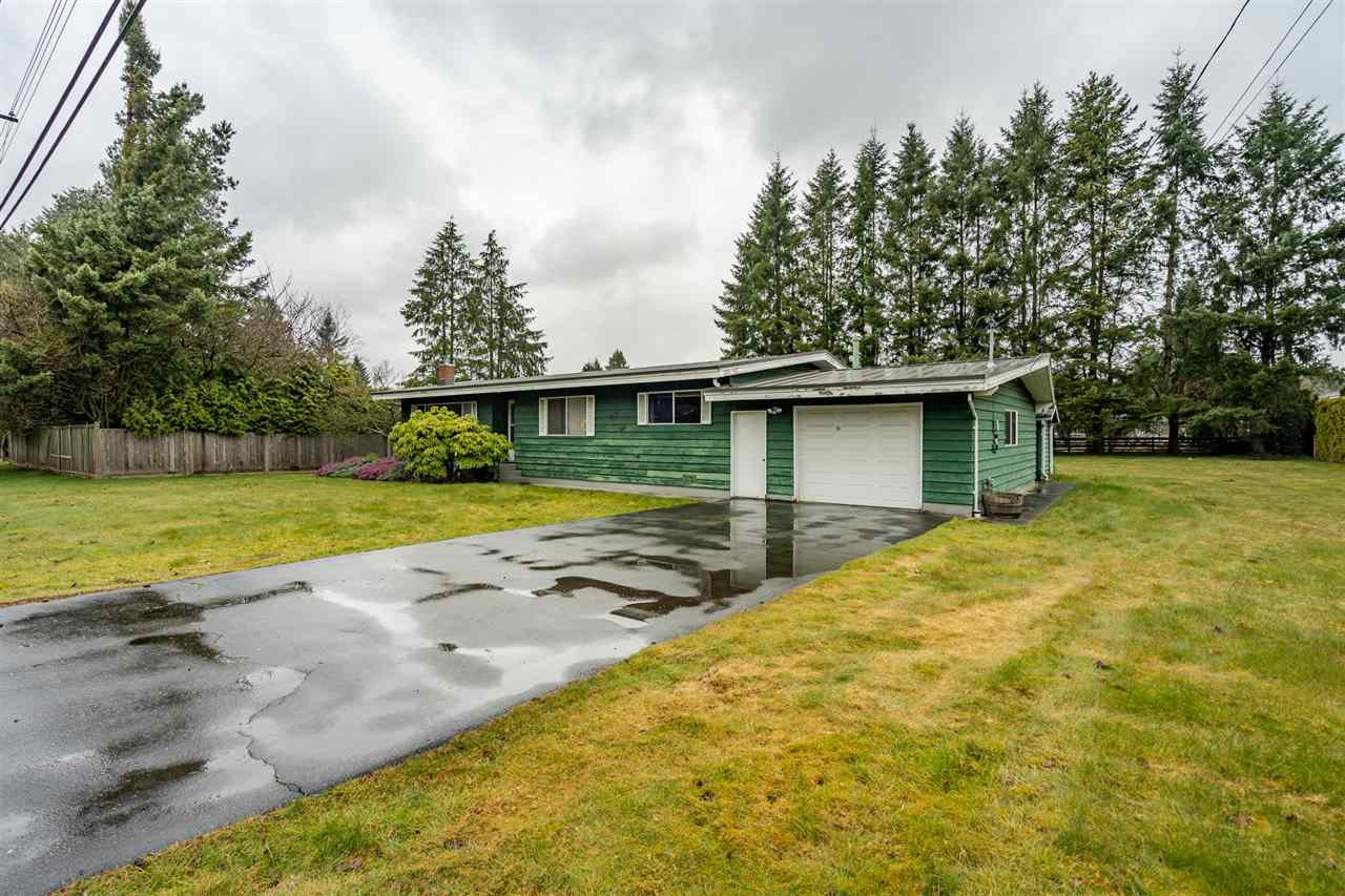 Main Photo: 24633 56 Avenue in Langley: Salmon River House for sale : MLS®# R2449691