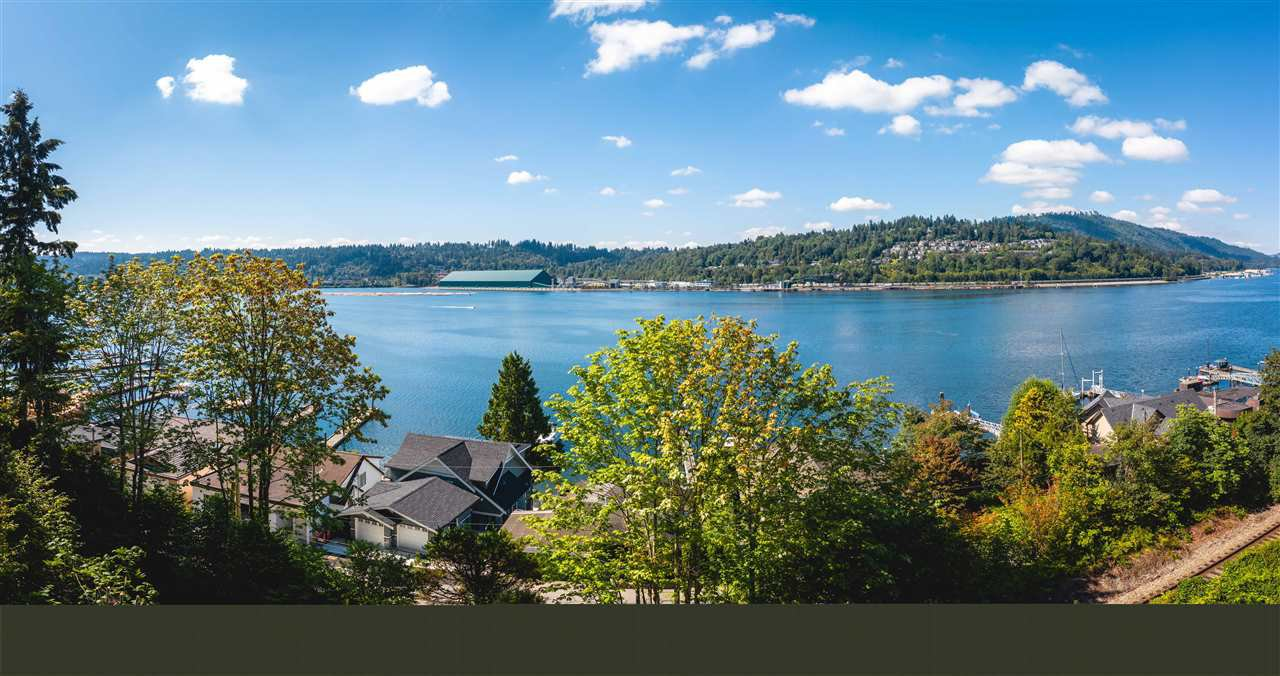 Main Photo: 940 IOCO Road in Port Moody: Barber Street House for sale : MLS®# R2480912