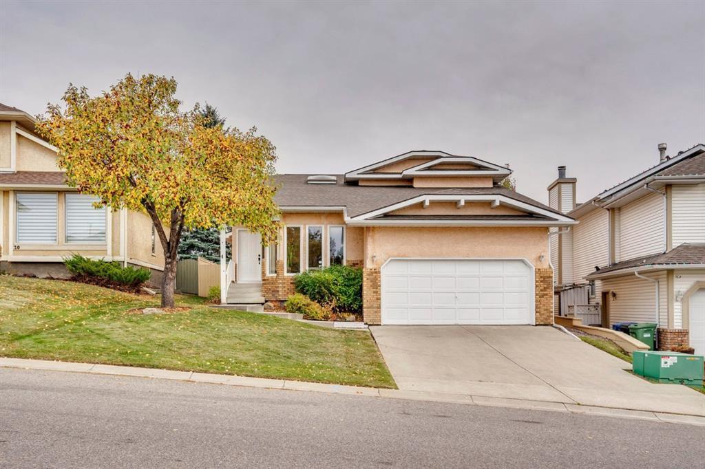 Main Photo: 16 Douglas Woods View SE in Calgary: Douglasdale/Glen Detached for sale : MLS®# A1041640