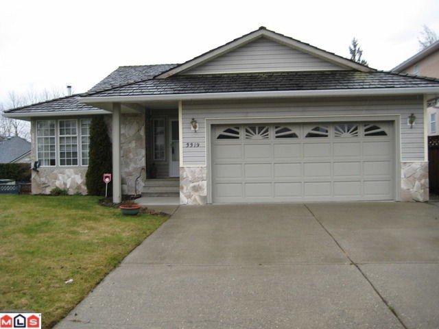 Main Photo: 3319 FIRHILL Drive in Abbotsford: Abbotsford West House for sale