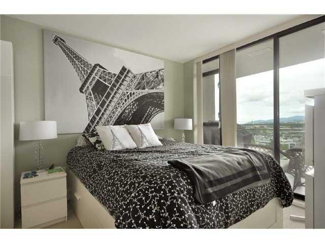 """Photo 5: Photos: 1505 155 W 1 Street in North Vancouver: Lower Lonsdale Condo for sale in """"TIME"""" : MLS®# V891188"""