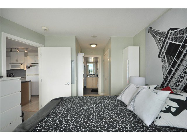 """Photo 6: Photos: 1505 155 W 1 Street in North Vancouver: Lower Lonsdale Condo for sale in """"TIME"""" : MLS®# V891188"""