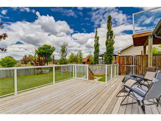 Photo 18: Photos: 12 HILLVIEW Road: Strathmore Residential Detached Single Family for sale : MLS®# C3620193