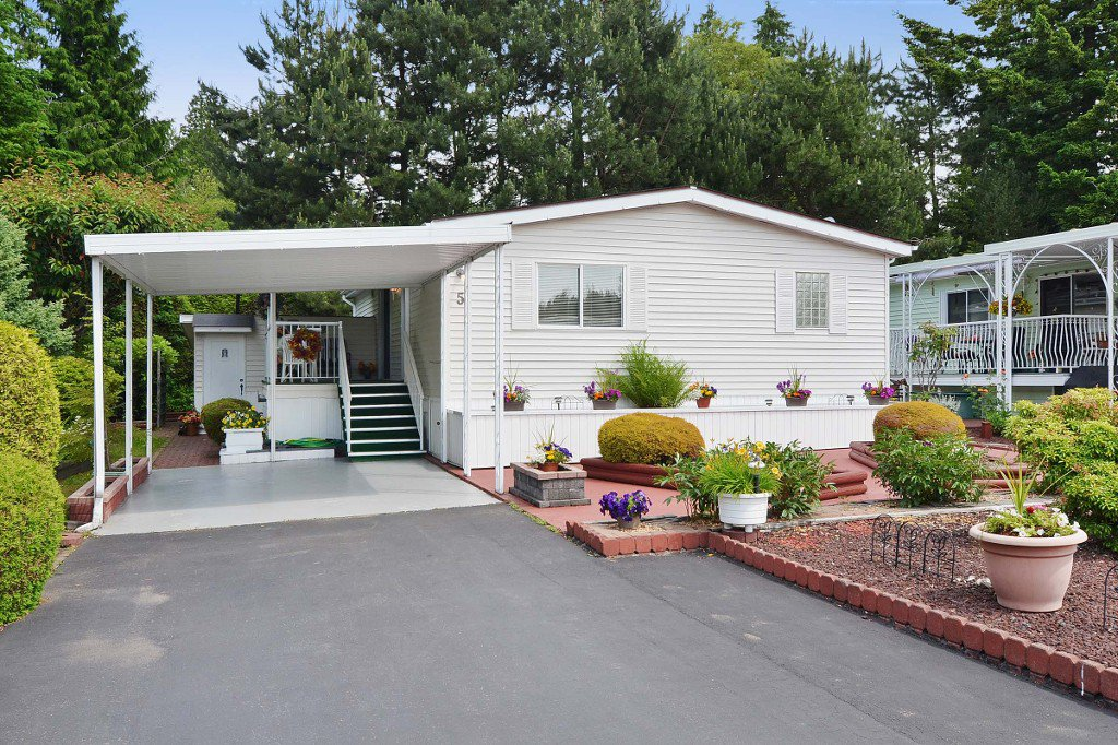 Main Photo: 5 2315 198 Street in Langley: Brookswood Langley Manufactured Home for sale : MLS®# F1415125