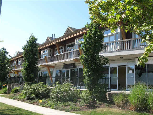 """Photo 3: Photos: 9 40775 TANTALUS Road in Squamish: Tantalus Townhouse for sale in """"Alpenlofts"""" : MLS®# V1121122"""