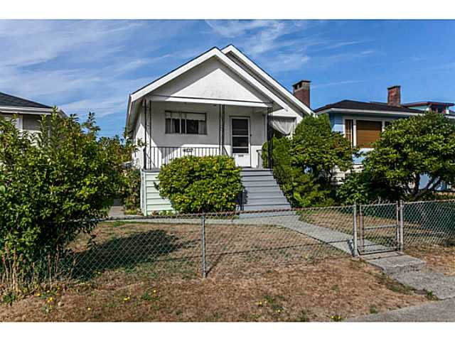 Main Photo: 4537 CULLODEN Street in Vancouver: Knight House for sale (Vancouver East)  : MLS®# V1140883