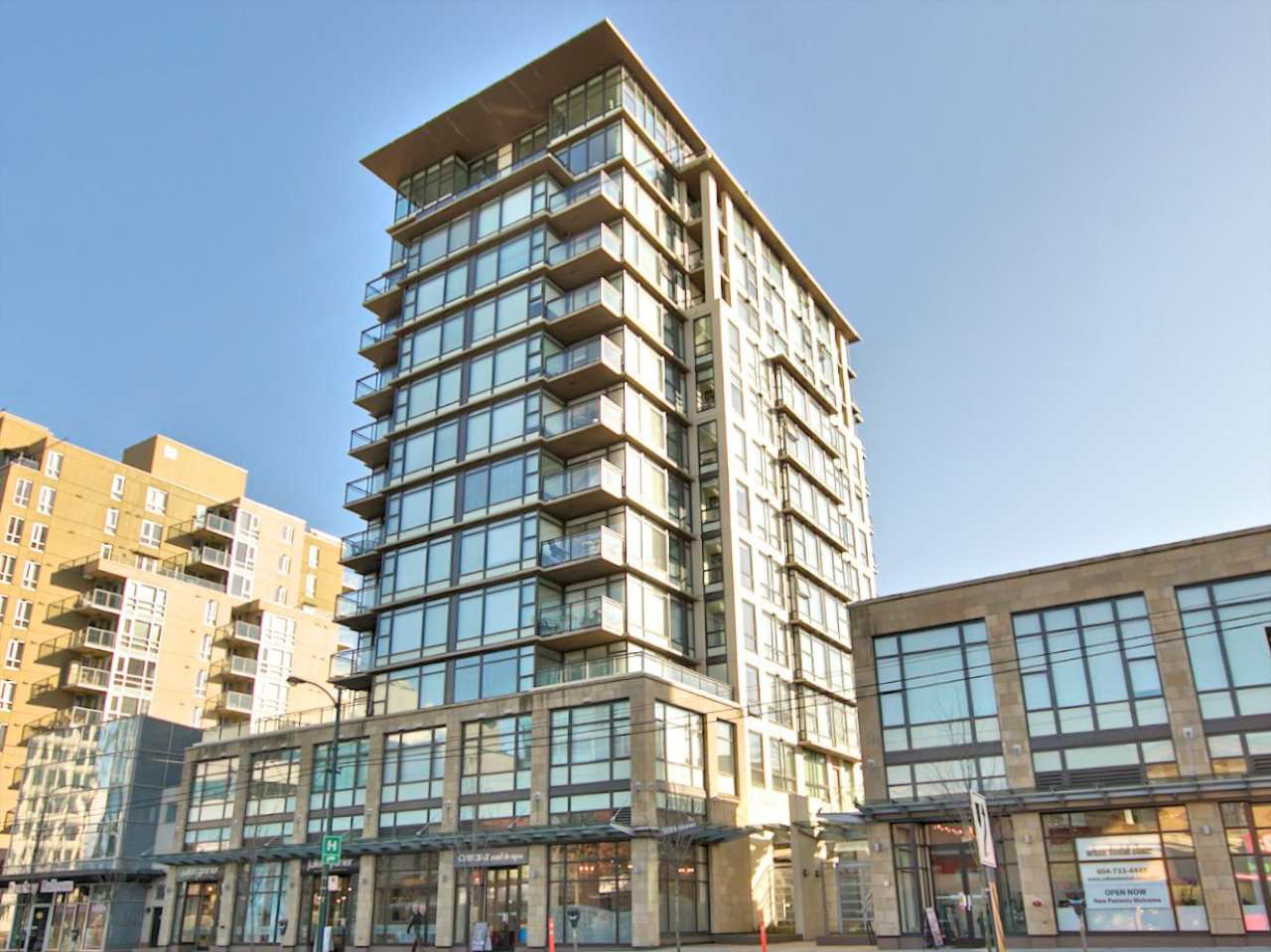 "Main Photo: 209 1068 W BROADWAY in Vancouver: Fairview VW Condo for sale in ""THE ZONE"" (Vancouver West)  : MLS®# R2019129"