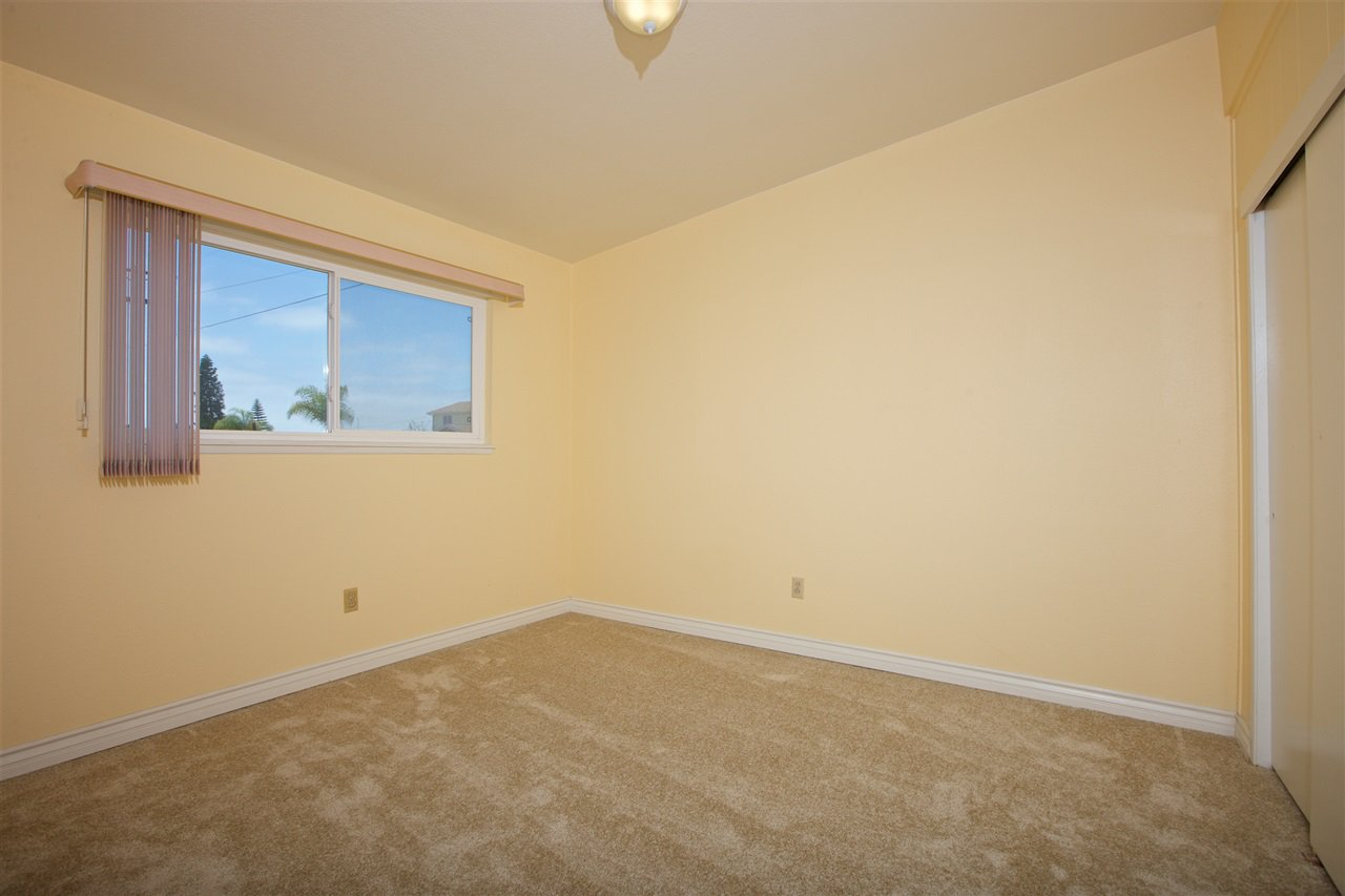 Photo 16: Photos: IMPERIAL BEACH House for sale : 3 bedrooms : 701 Hemlock Avenue