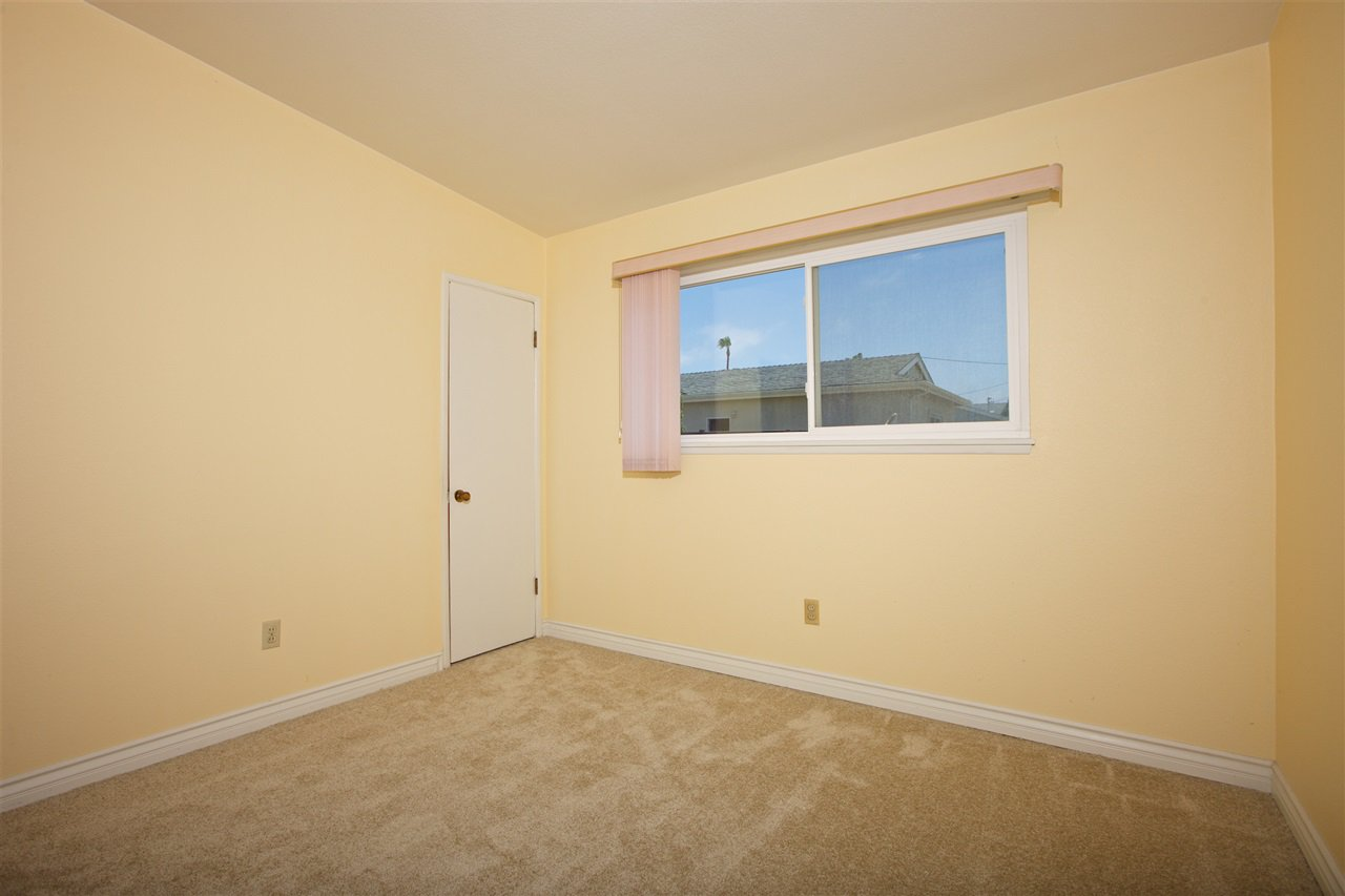 Photo 18: Photos: IMPERIAL BEACH House for sale : 3 bedrooms : 701 Hemlock Avenue