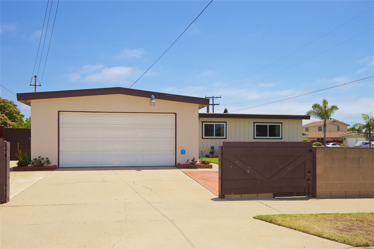 Photo 24: Photos: IMPERIAL BEACH House for sale : 3 bedrooms : 701 Hemlock Avenue