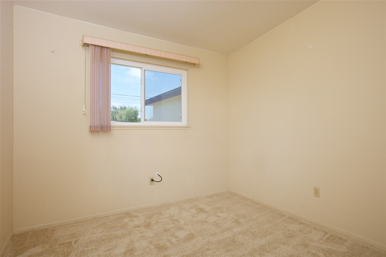Photo 11: Photos: IMPERIAL BEACH House for sale : 3 bedrooms : 701 Hemlock Avenue