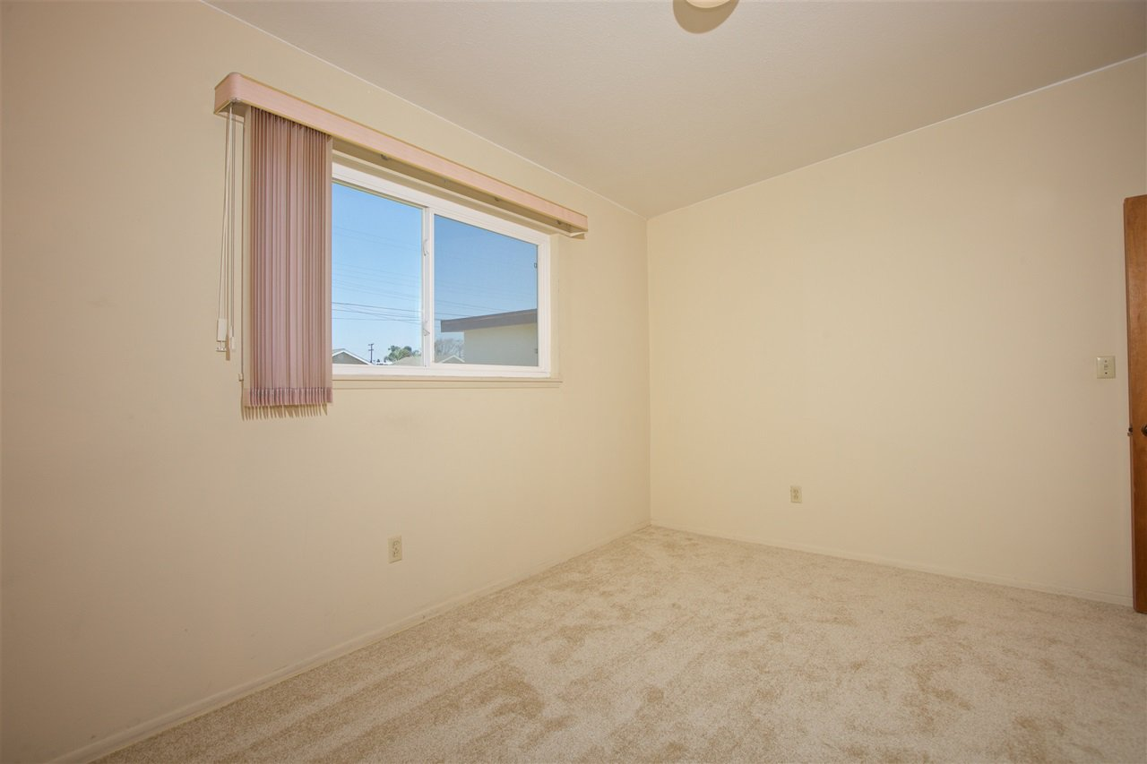 Photo 14: Photos: IMPERIAL BEACH House for sale : 3 bedrooms : 701 Hemlock Avenue