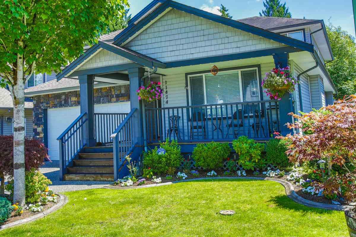 "Main Photo: 11474 CREEKSIDE Street in Maple Ridge: Cottonwood MR House for sale in ""GILKER HILL ESTATES"" : MLS®# R2089079"