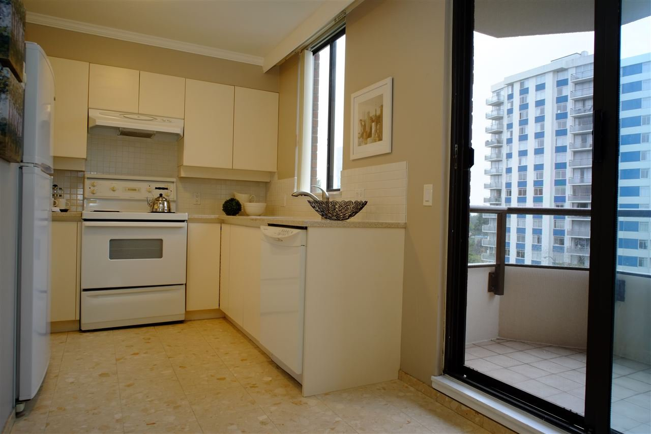 """Photo 5: Photos: 404 2189 W 42ND Avenue in Vancouver: Kerrisdale Condo for sale in """"Governor Point"""" (Vancouver West)  : MLS®# R2112248"""