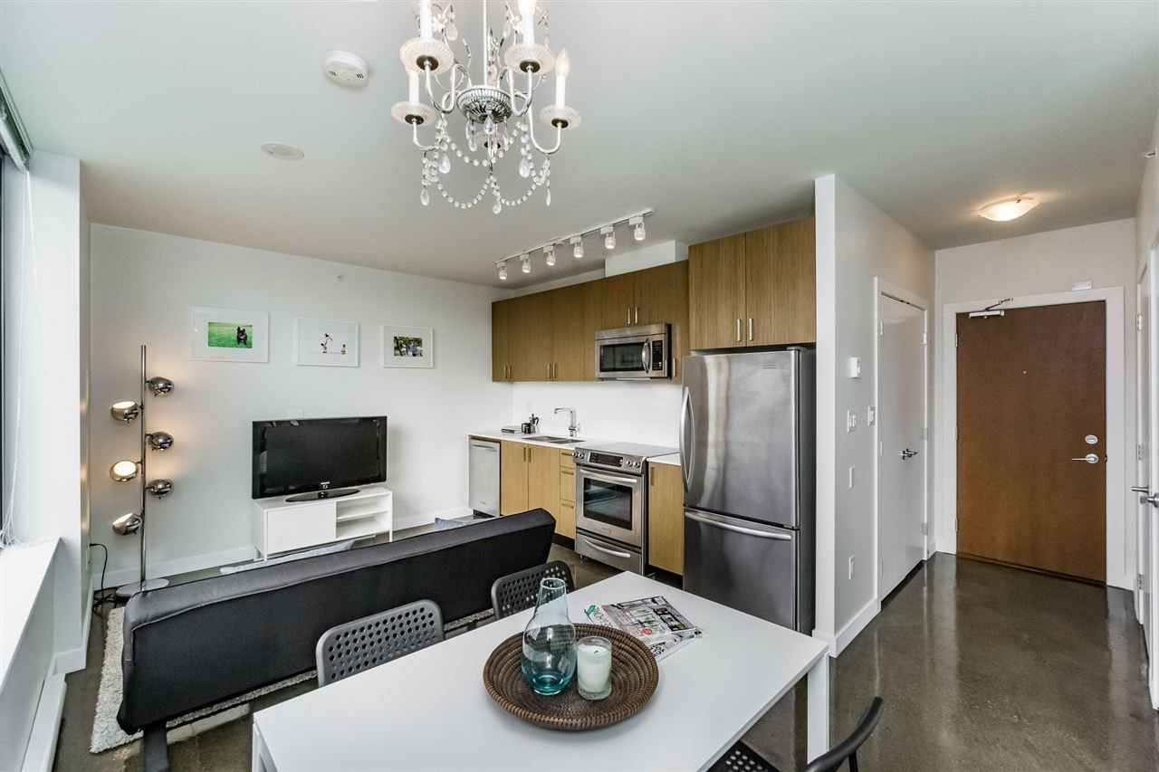 """Main Photo: 301 221 UNION Street in Vancouver: Mount Pleasant VE Condo for sale in """"V6A"""" (Vancouver East)  : MLS®# R2113833"""