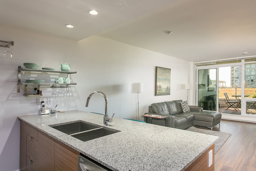 "Main Photo: 318 135 E 17TH Street in North Vancouver: Central Lonsdale Condo for sale in ""LOCAL"" : MLS®# R2117123"