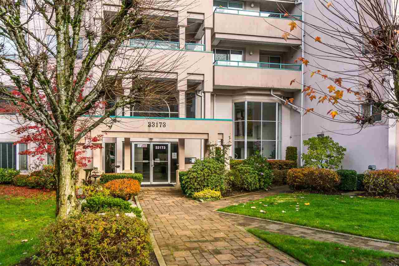 Main Photo: 440 33173 OLD YALE RD Road in Abbotsford: Central Abbotsford Condo for sale : MLS®# R2120894