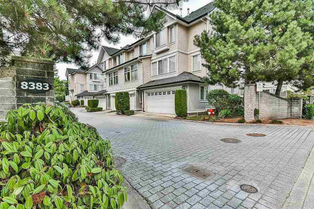 "Main Photo: 39 8383 159 Street in Surrey: Fleetwood Tynehead Townhouse for sale in ""AVALON WOODS"" : MLS®# R2194624"