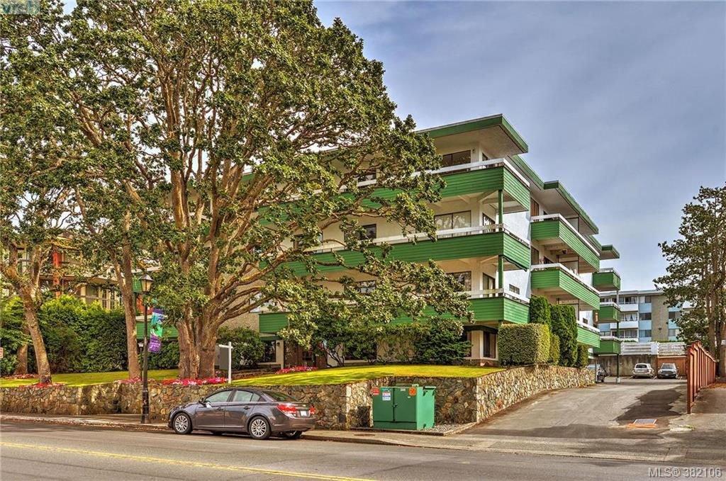 Main Photo: 104 2095 Oak Bay Avenue in VICTORIA: OB South Oak Bay Condo Apartment for sale (Oak Bay)  : MLS®# 382106