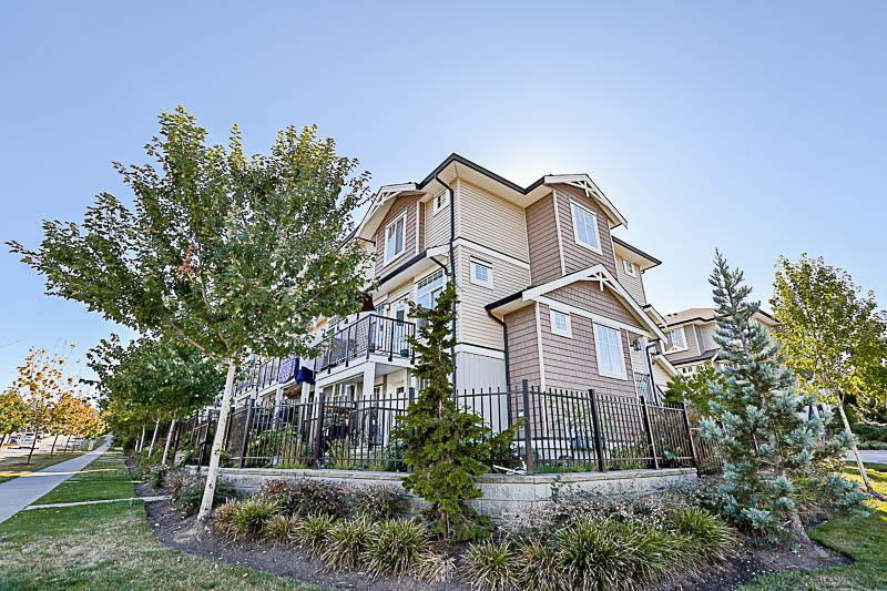 Main Photo: 4 14356 63A Avenue in Surrey: Sullivan Station Townhouse for sale : MLS®# R2205873