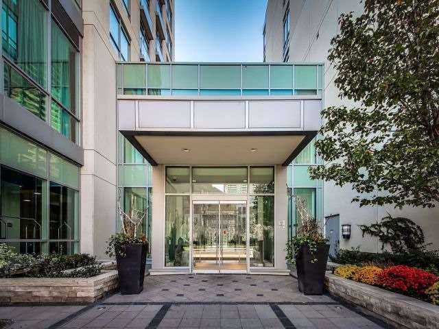 Main Photo: 120 Homewood Ave Unit #618 in Toronto: Cabbagetown-South St. James Town Condo for sale (Toronto C08)  : MLS®# C3937275