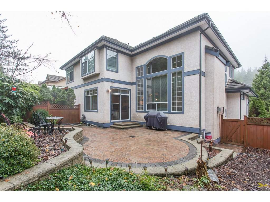 "Photo 18: Photos: 1973 PARKWAY Boulevard in Coquitlam: Westwood Plateau House 1/2 Duplex for sale in ""WESTWOOD PLATEAU"" : MLS®# R2224230"