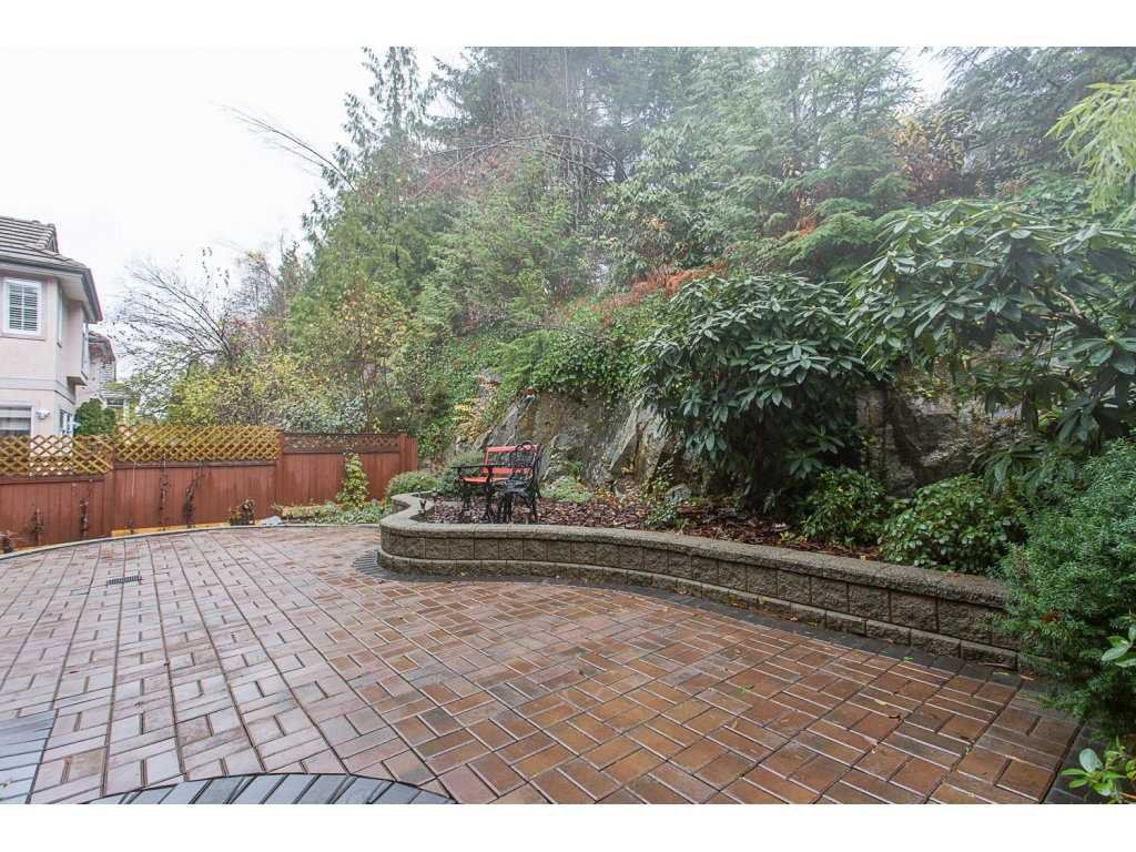 "Photo 2: Photos: 1973 PARKWAY Boulevard in Coquitlam: Westwood Plateau House 1/2 Duplex for sale in ""WESTWOOD PLATEAU"" : MLS®# R2224230"