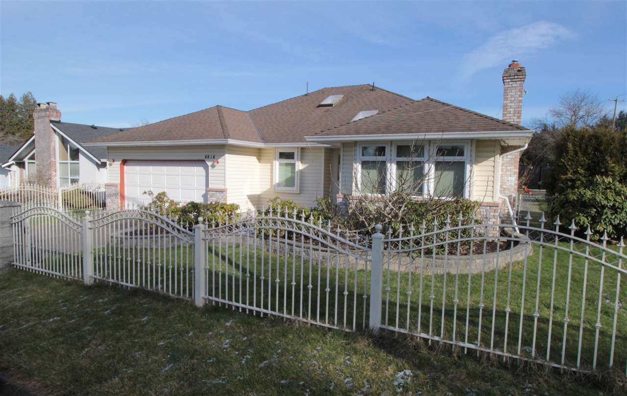 """Main Photo: 4814 209 Street in Langley: Langley City House for sale in """"Newlands"""" : MLS®# R2241298"""