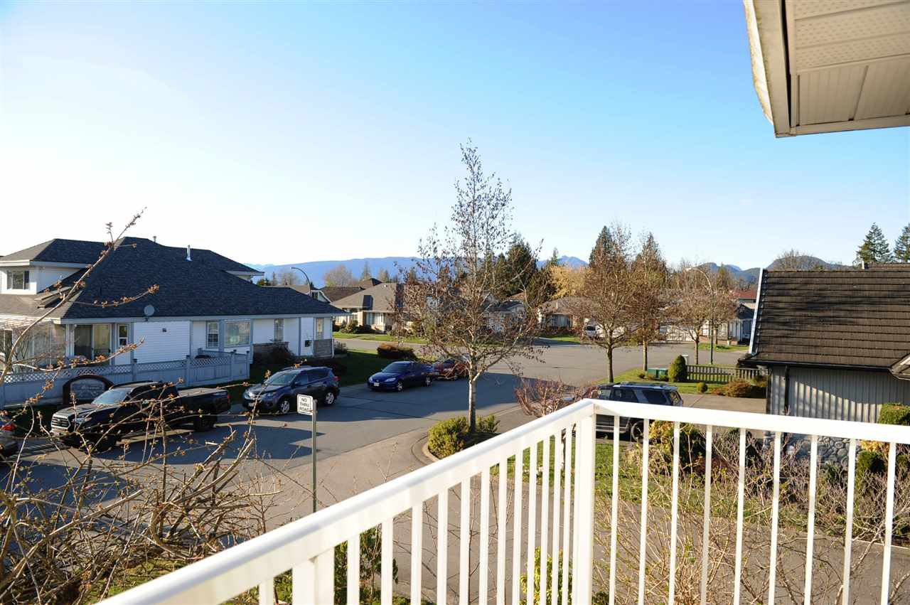 Photo 16: Photos: 12124 BLOSSOM Street in Maple Ridge: East Central House for sale : MLS®# R2354604