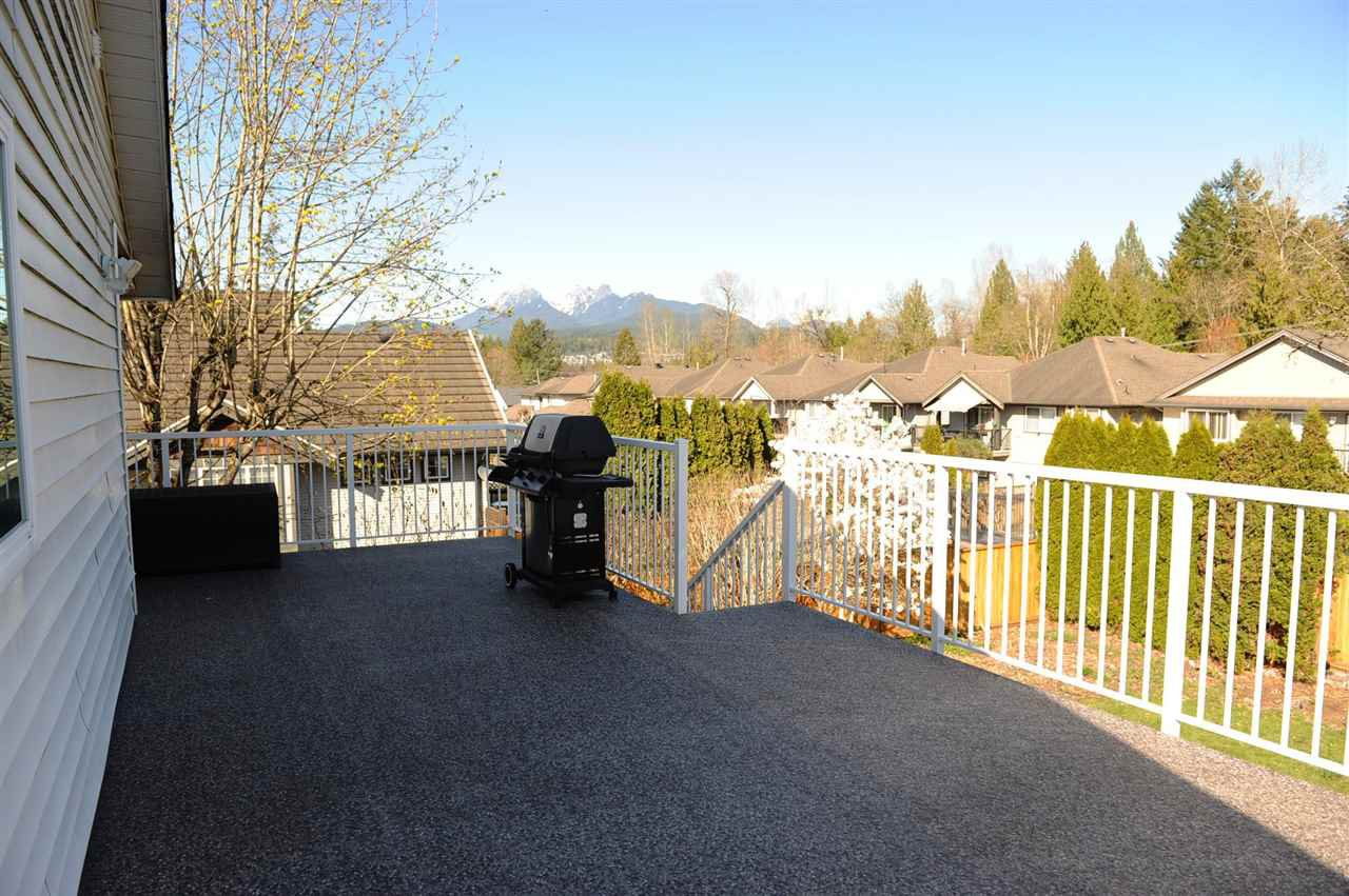 Photo 17: Photos: 12124 BLOSSOM Street in Maple Ridge: East Central House for sale : MLS®# R2354604