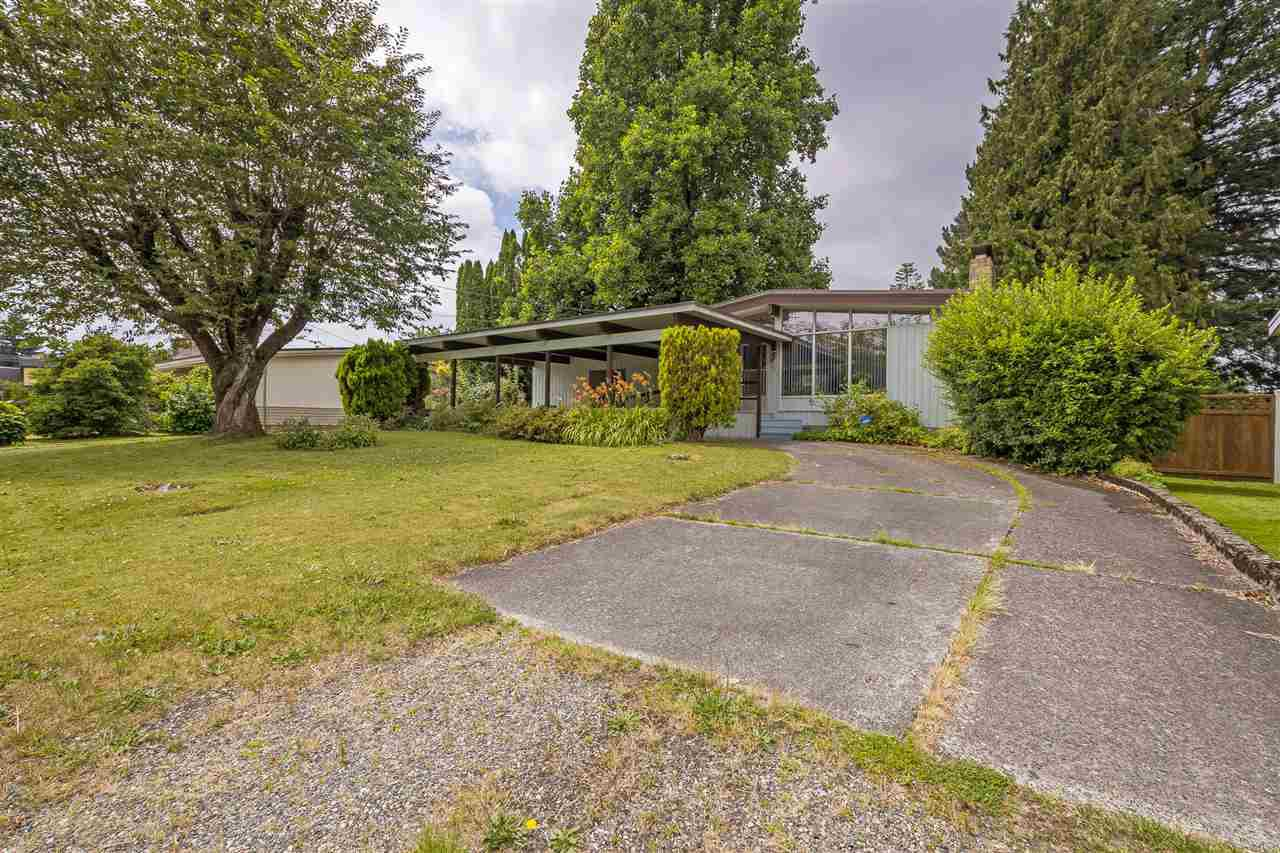 Main Photo: 8919 GLENWOOD Street in Chilliwack: Chilliwack W Young-Well House for sale : MLS®# R2385098