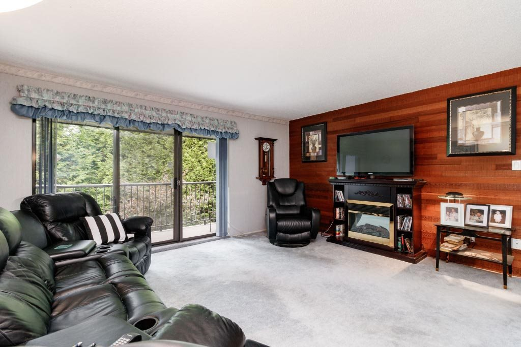 "Photo 9: Photos: 308 - 7473 - 140 Street in Surrey: East Newton Condo for sale in ""GLENCOE  ESTATES"" : MLS®# R2410062"