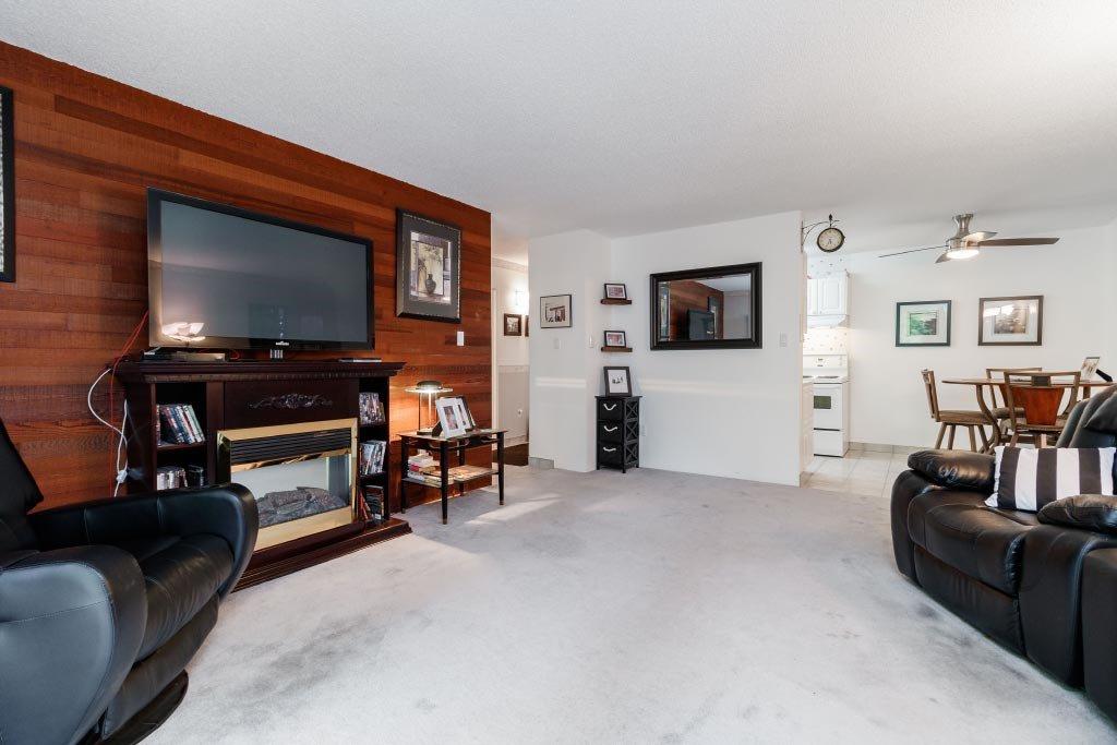 "Photo 11: Photos: 308 - 7473 - 140 Street in Surrey: East Newton Condo for sale in ""GLENCOE  ESTATES"" : MLS®# R2410062"