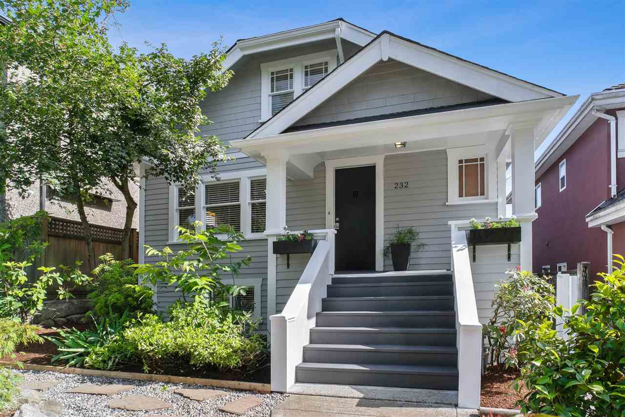 Main Photo: 232 E 43RD Avenue in Vancouver: Main House for sale (Vancouver East)  : MLS®# R2467548