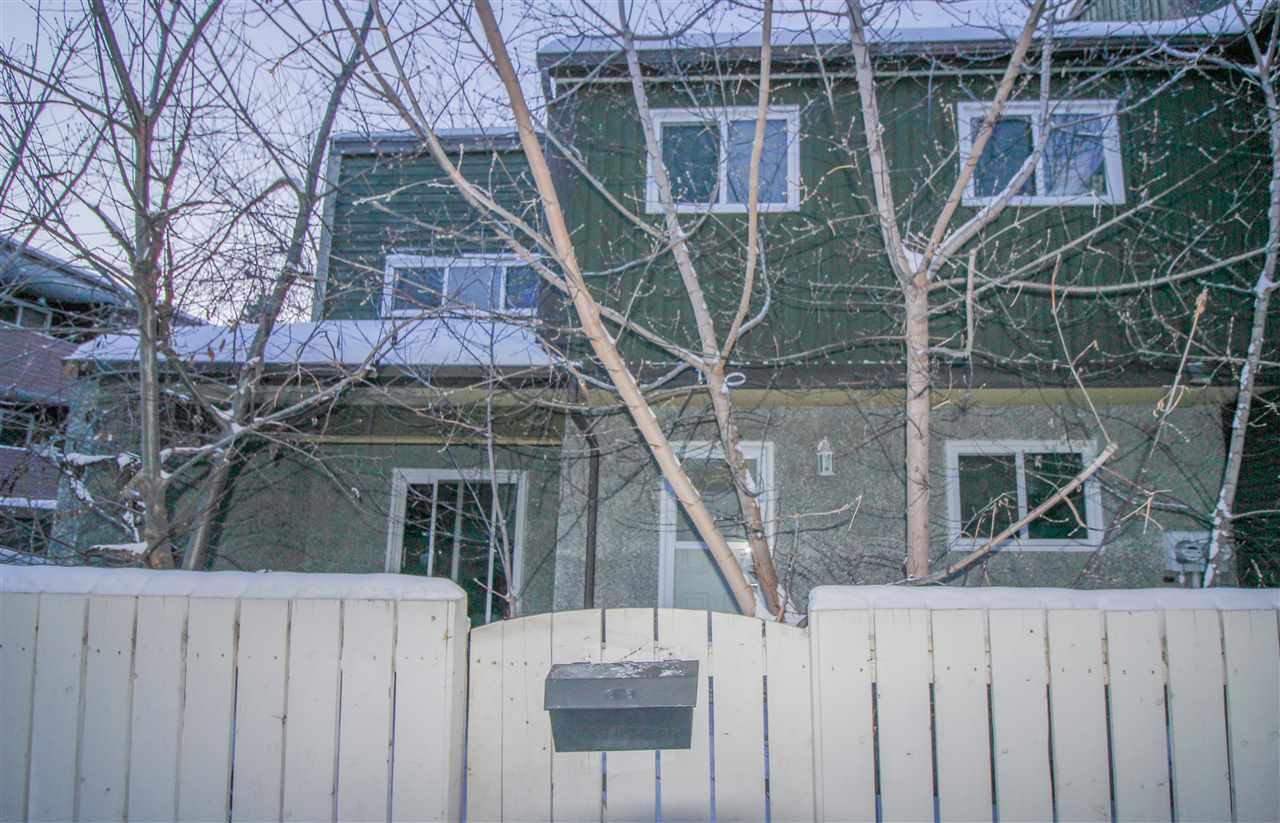 Main Photo: 120 KASKITAYO Court in Edmonton: Zone 16 Townhouse for sale : MLS®# E4203199