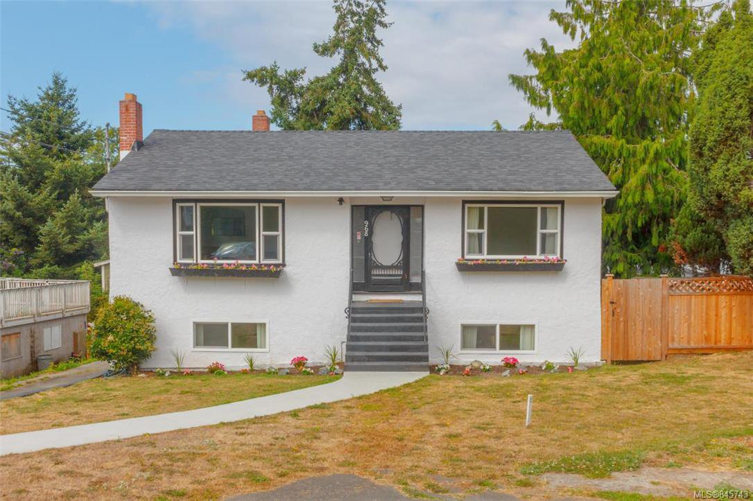 Main Photo: 968 Walker St in : VW Victoria West Single Family Detached for sale (Victoria West)  : MLS®# 845743